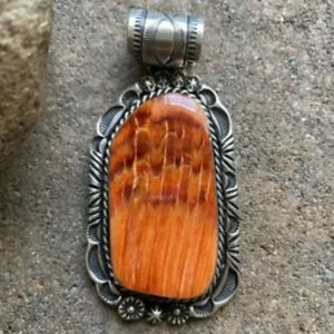 Jewelry - N.A.SterlingSilver SpinyOysterPendant. Rick Werito
